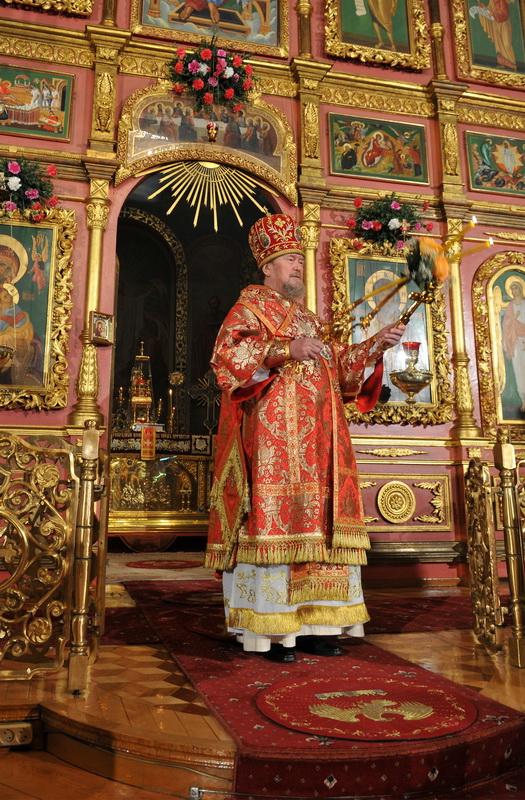 Одному из самых уважаемых людей Крыма - митрополиту Лазарю - 22 апреля исполняется 75 лет