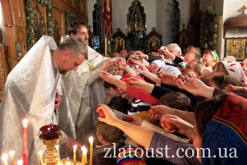 Пасхальное ВсенощноеБдение в храме святителя Иоанна Златоуста Ялтинского благочиния