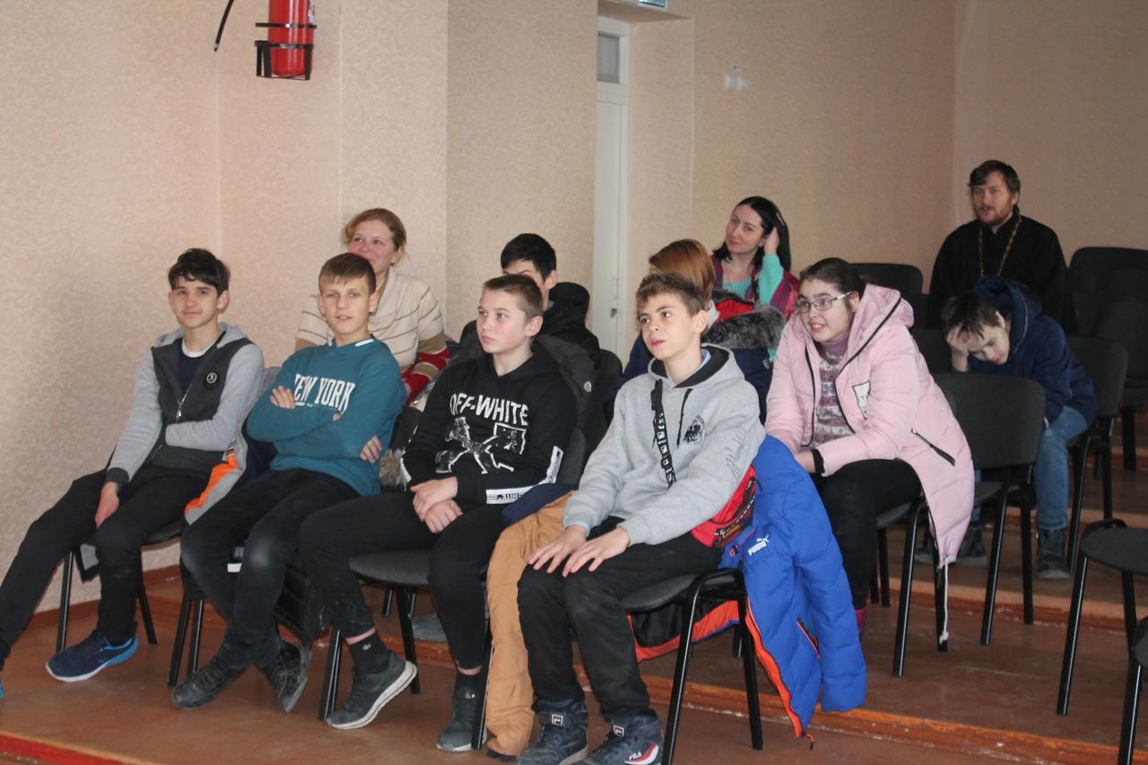 Урок, посвященный православию проведен  в  севастопольской школе-интернате № 6 для детей с ограниченными возможностями здоровья